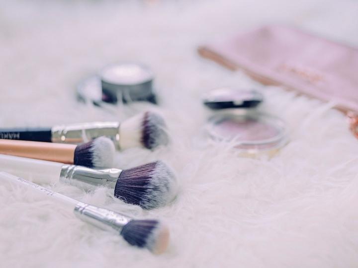 Make-Up over de datum weggooien
