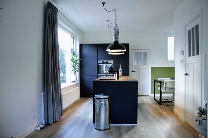Dit is onze nieuwe minimalistische keuken binnenkijken