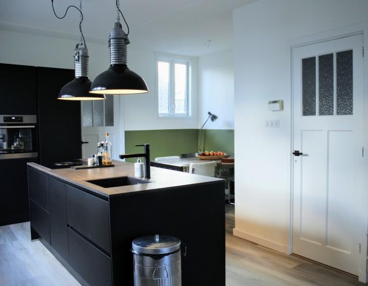 Dit is onze nieuwe, minimalistische keuken |Binnenkijken
